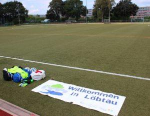 Trainingsequipment, gemeinsamer Stadionbesuch und Sichtungsturnier